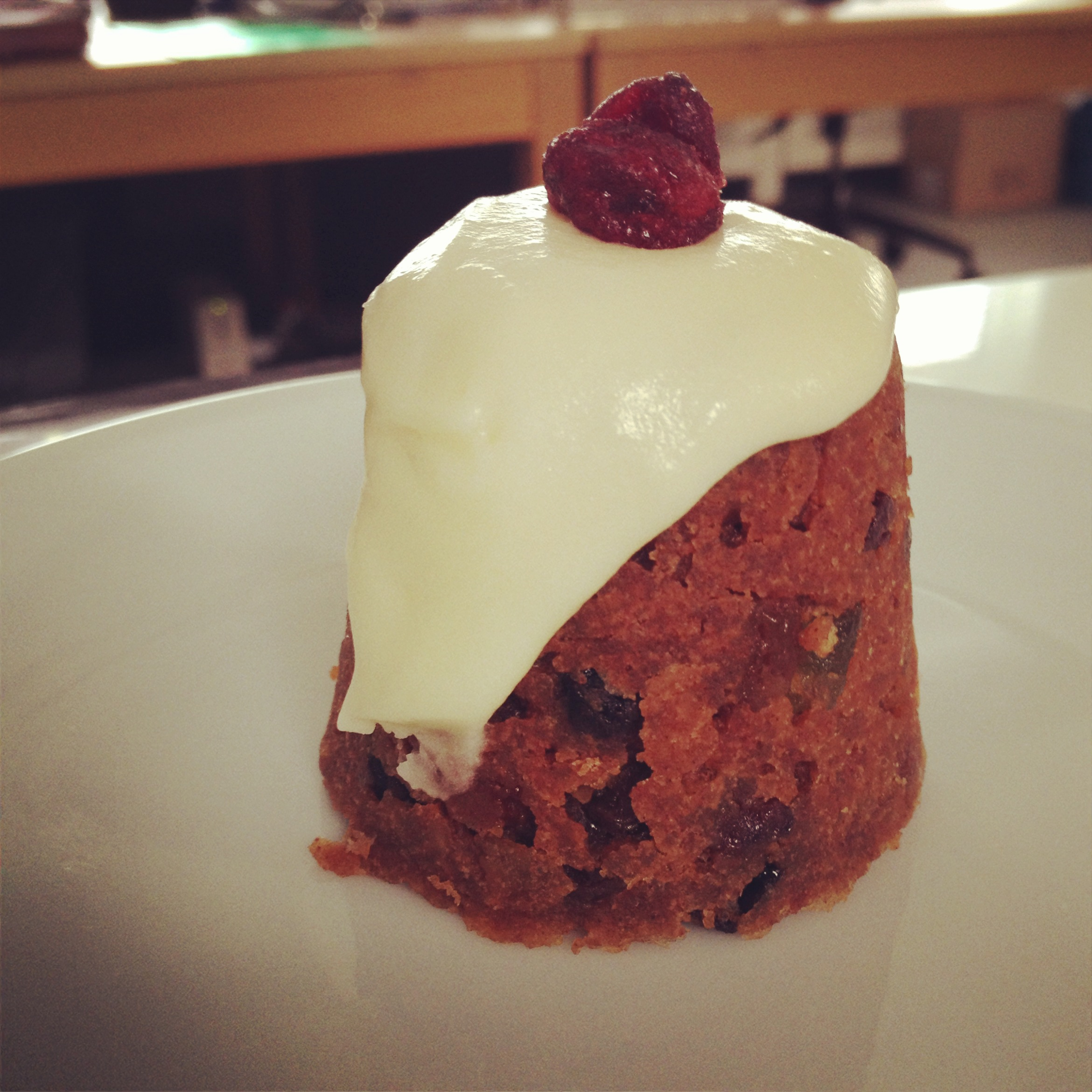 how to serve christmas pudding